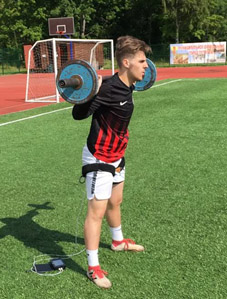 Influence of the KAATSU Training on the Strength Endurance of the Muscles of the Lower Extremities in Qualified Football Players